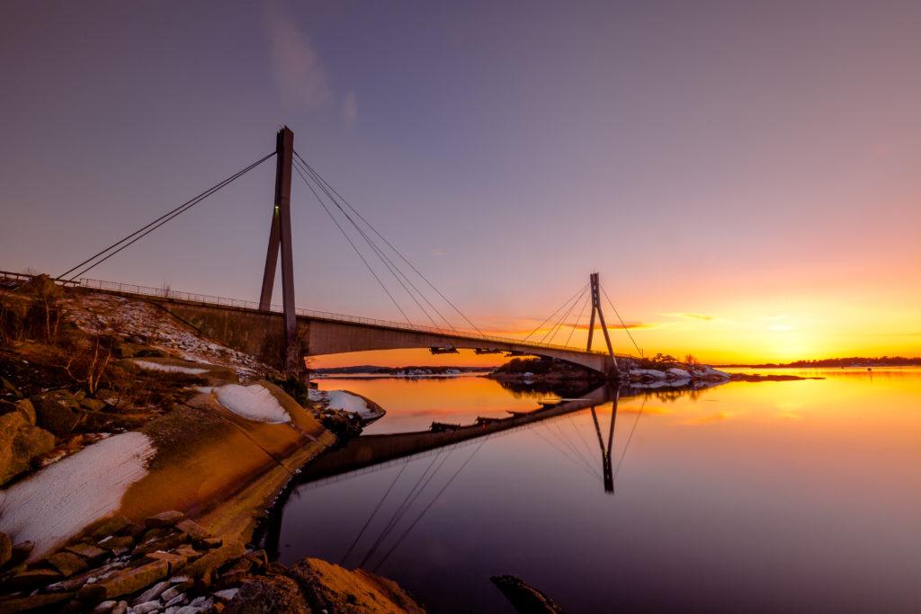 Hvalerporten - Puttesund Fotograf: Svein Hansen bru